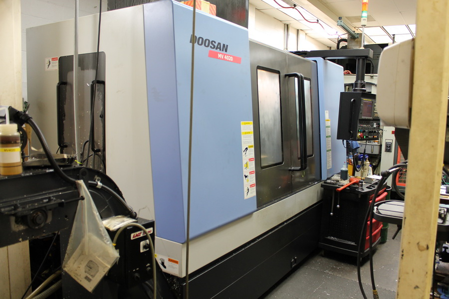 Used Vertical Machining Center Doosan MV 4020 2008