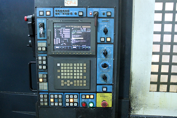 Used Horizontal Machining Center Makino A81 2004