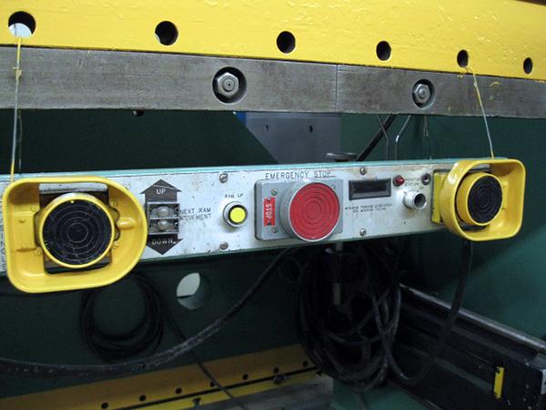 Used Hydraulic Press Brake Cincinnati 350 FM12 1982