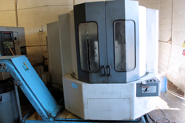 Used Horizontal Machining Center Mazak HTC 400 1999