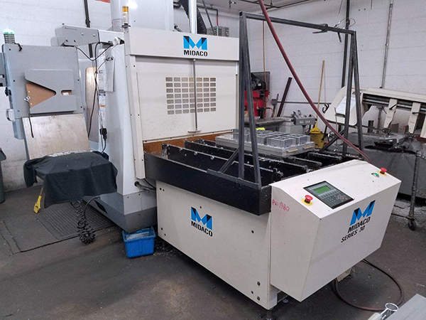 Used Vertical Machining Center Haas VF-2SS 2005