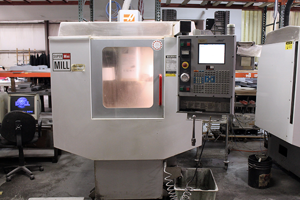 Haas Super Mini Mill 2003 4