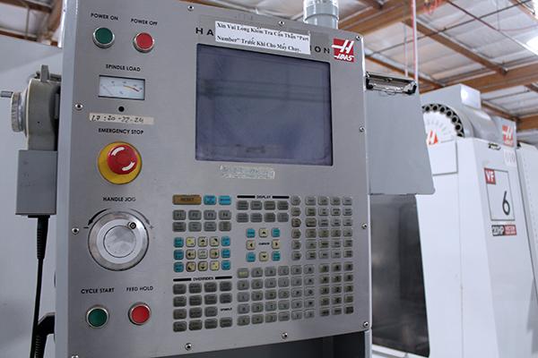 Haas VF-6/40 2006 15