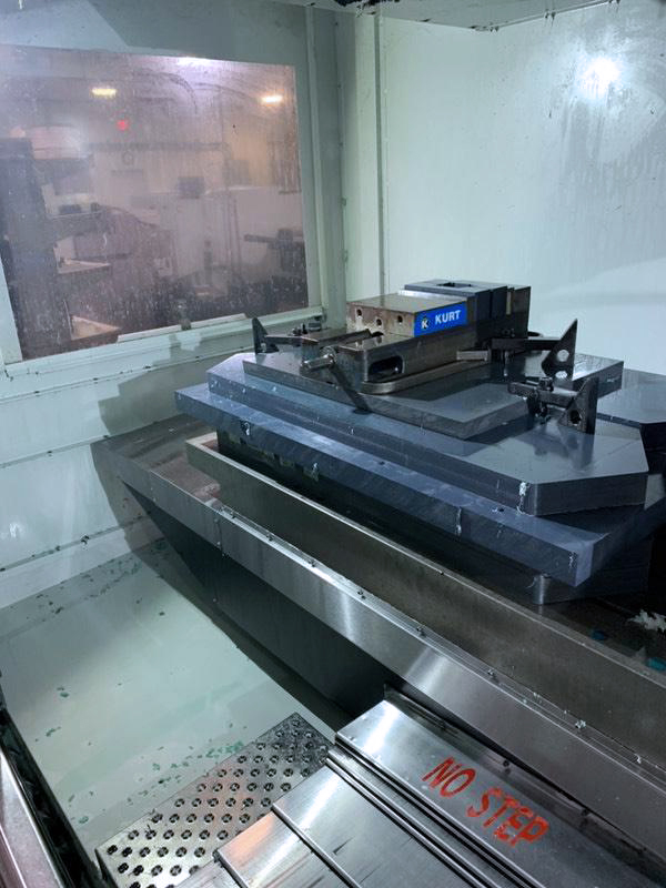 Used Vertical Machining Center Haas VF-6SS 2013