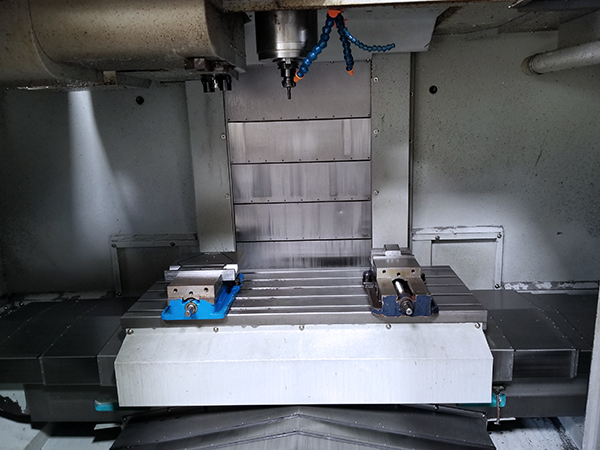 Used Vertical Machining Center Hyundai Kia VX500 2010