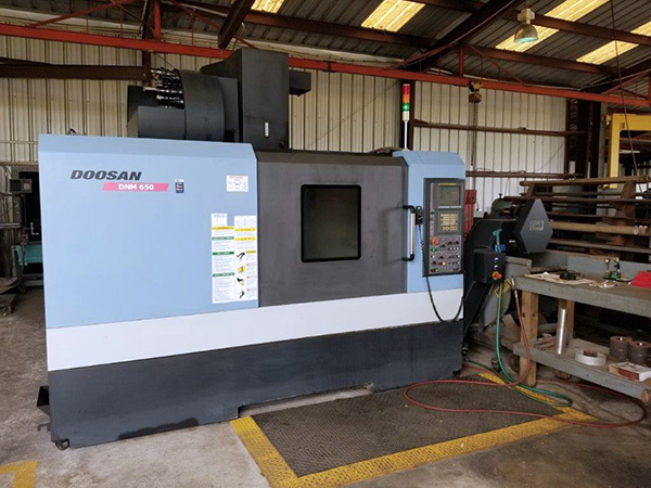 Used Vertical Machining Center Doosan DNM 650 2010