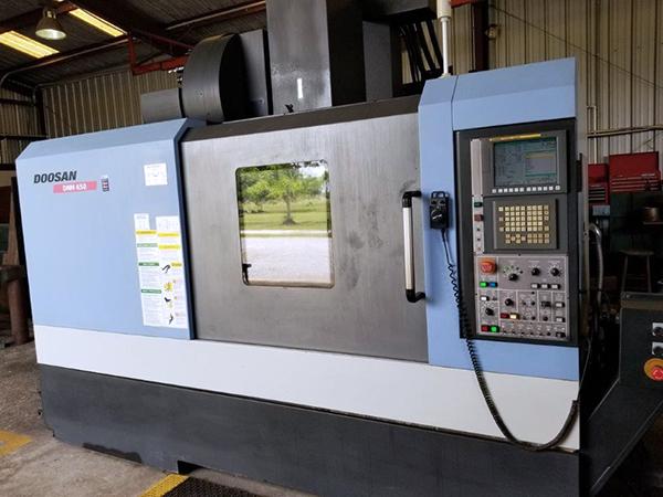 Used Vertical Machining Center Doosan DNM 650 2010