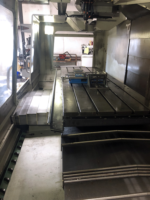 Used Vertical Machining Center Haas VF-7/40 2009