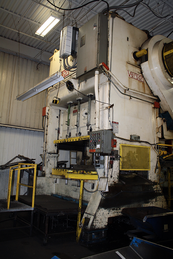 Used Straightside Press  Verson S2-500-96-60 1974