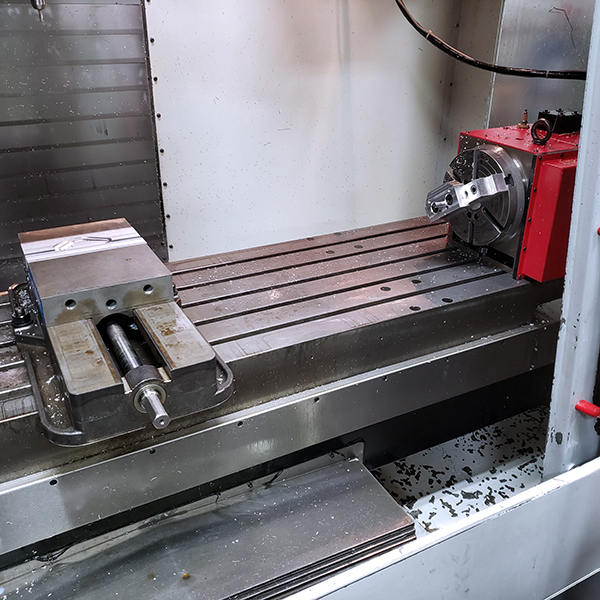 Used Vertical Machining Center Haas VF-4 1997