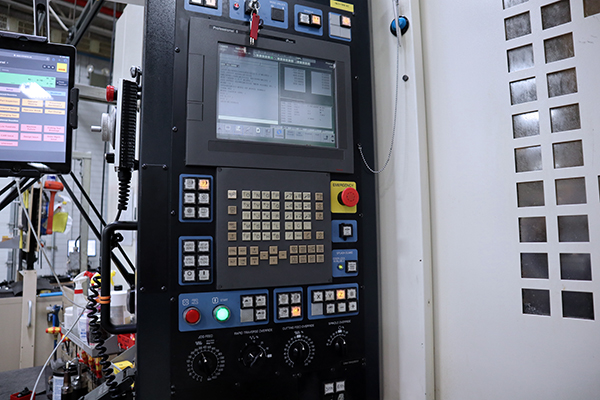 Used Horizontal Machining Center Makino A82 2008