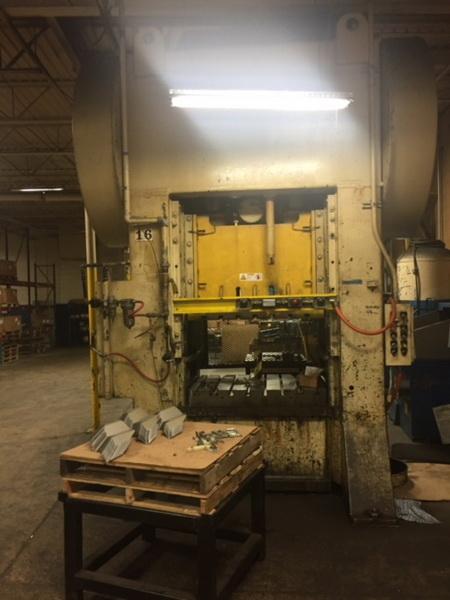 Used Straightside Press  Steelweld