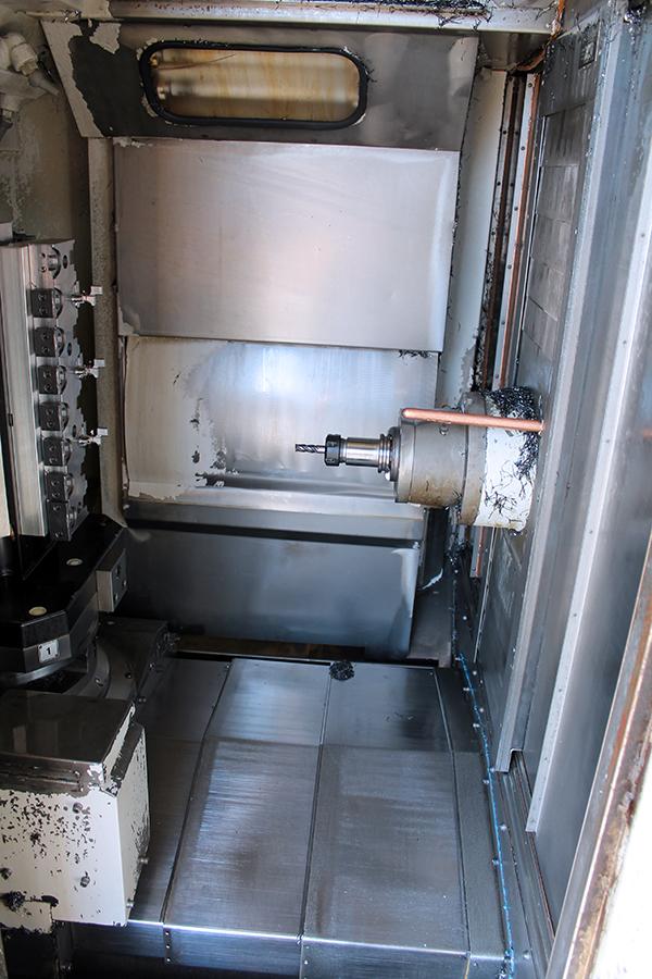 Used Horizontal Machining Center Mazak HTC 400 1999