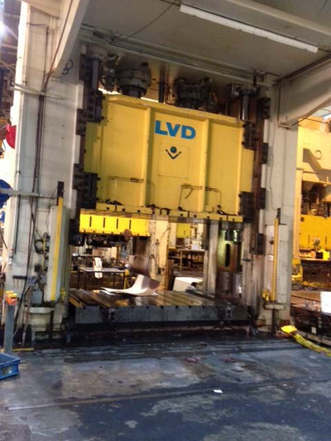 Used Hydraulic Press  LVD HPD-TR-1600-37×22 1993