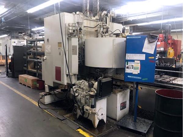 Used Vertical Machining Center Cincinnati Milacron 20VC-2000 1982