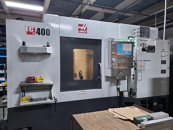Used Horizontal Machining Center Haas EC400 2011