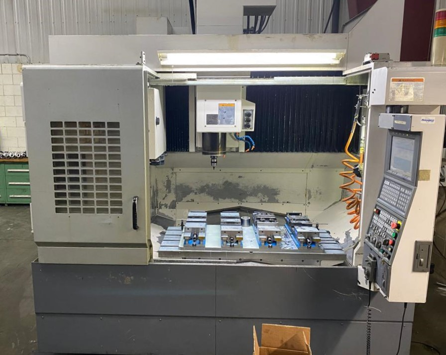 Used Vertical Machining Center Okuma Ace Center MB-56VA 2004