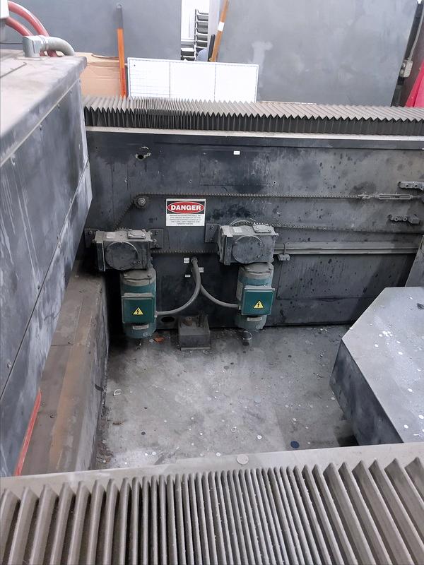 Used Laser Cutting Machine Cincinnati CL-707 2006