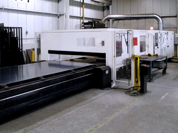 Used Laser Cutting Machine Mazak Super Turbo X612 Mk III G 2012