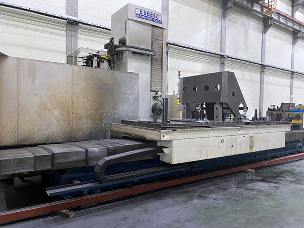 Used CNC Table Type Boring Machine HNK HB-130CX 2011