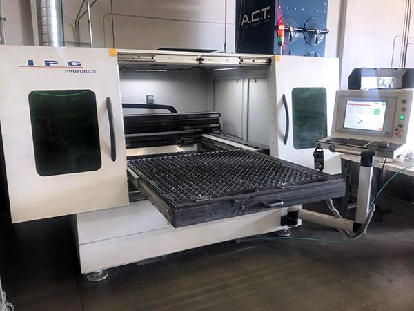Used Fiber Laser Cutting Machine  IPG 500 Watt LaserCube Fiber 2017