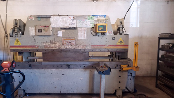 Used Hydraulic Press Brake Accurpress 710010 1995