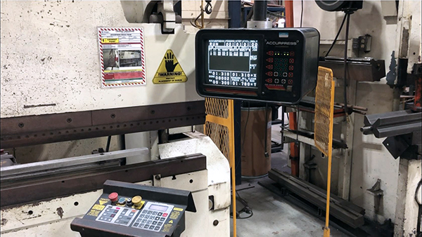 Used Hydraulic Press Brake Accurpress 100 ton x 10 ft 1996