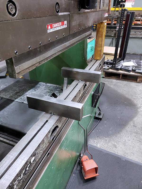 Used Hydraulic Press Brake Cincinnati 135 CBII 2000