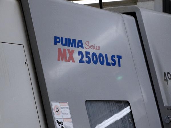 Used Multi Axis CNC Turning Center Doosan Puma MX2500LST 2005