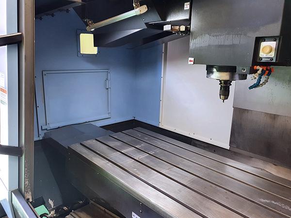 Used Vertical Machining Center Doosan DNM6700 2016