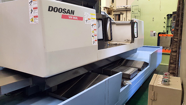 Used Vertical Machining Center Doosan VM960L 2013