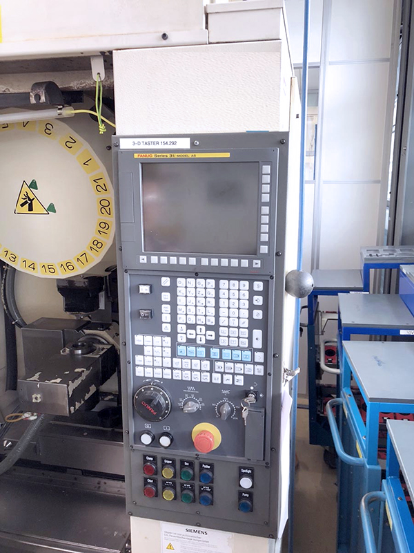 Used Vertical Machining Center Fanuc Robodrill a-T21iF 2008