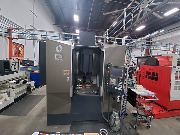 Used Vertical Machining Center Makino F5 2018