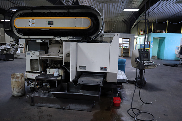 Used Vertical Machining Center Mitsubishi M-V 60C 1992