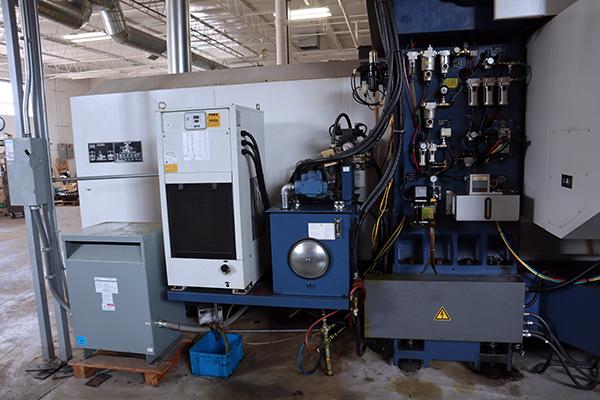 Used Vertical Milling Machine YCM DCV-3016B 2008