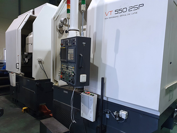 Used Vertical Turning Center Hwacheon VT-550 2SP 2008